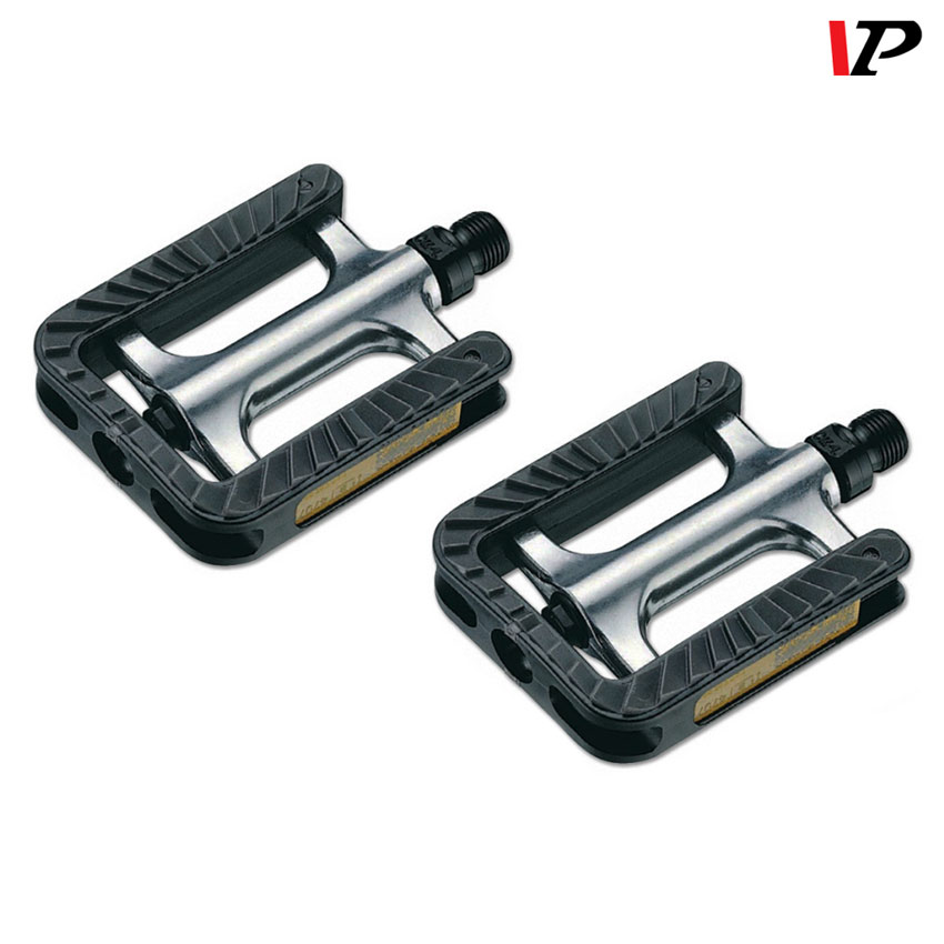 1 pair Pedals For City Trekking Bike Aluminium with Rubber coating and reflectors
